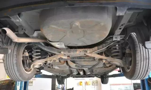 刚买的二手车,首先需要对哪些部件保养或更换