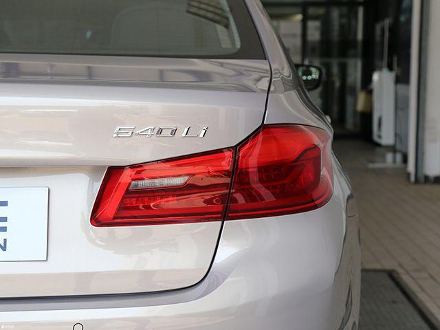 它是中产阶层最爱的车型,与奥迪A6L二手车相比更值得你选择