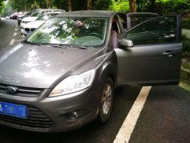 重庆二手福特 福克斯 2013款 三厢经典款 1.8L 手动基本型
